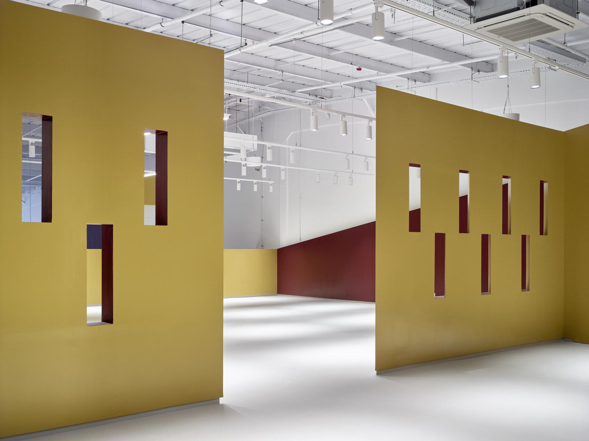 Baranowitz Goldberg Kaza Israel Showroom Interior Design Photo Shai Gil Yellowtrace 27