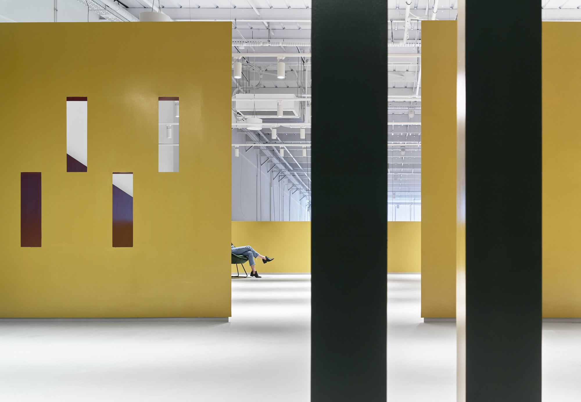 Baranowitz Goldberg Kaza Israel Showroom Interior Design Photo Shai Gil Yellowtrace 36