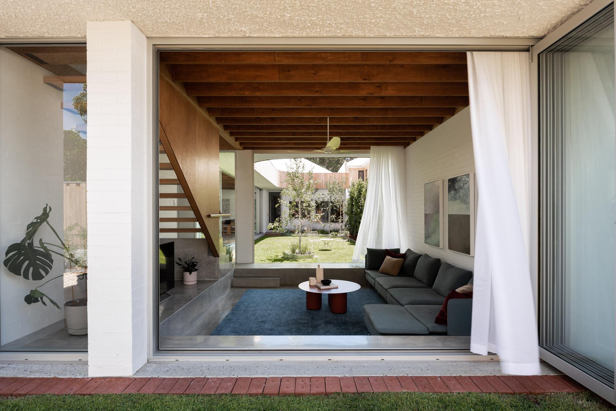 Nic Brunsdon East Fremantle House Australian Architecture Photo Dion Robeson Yellowtrace 11