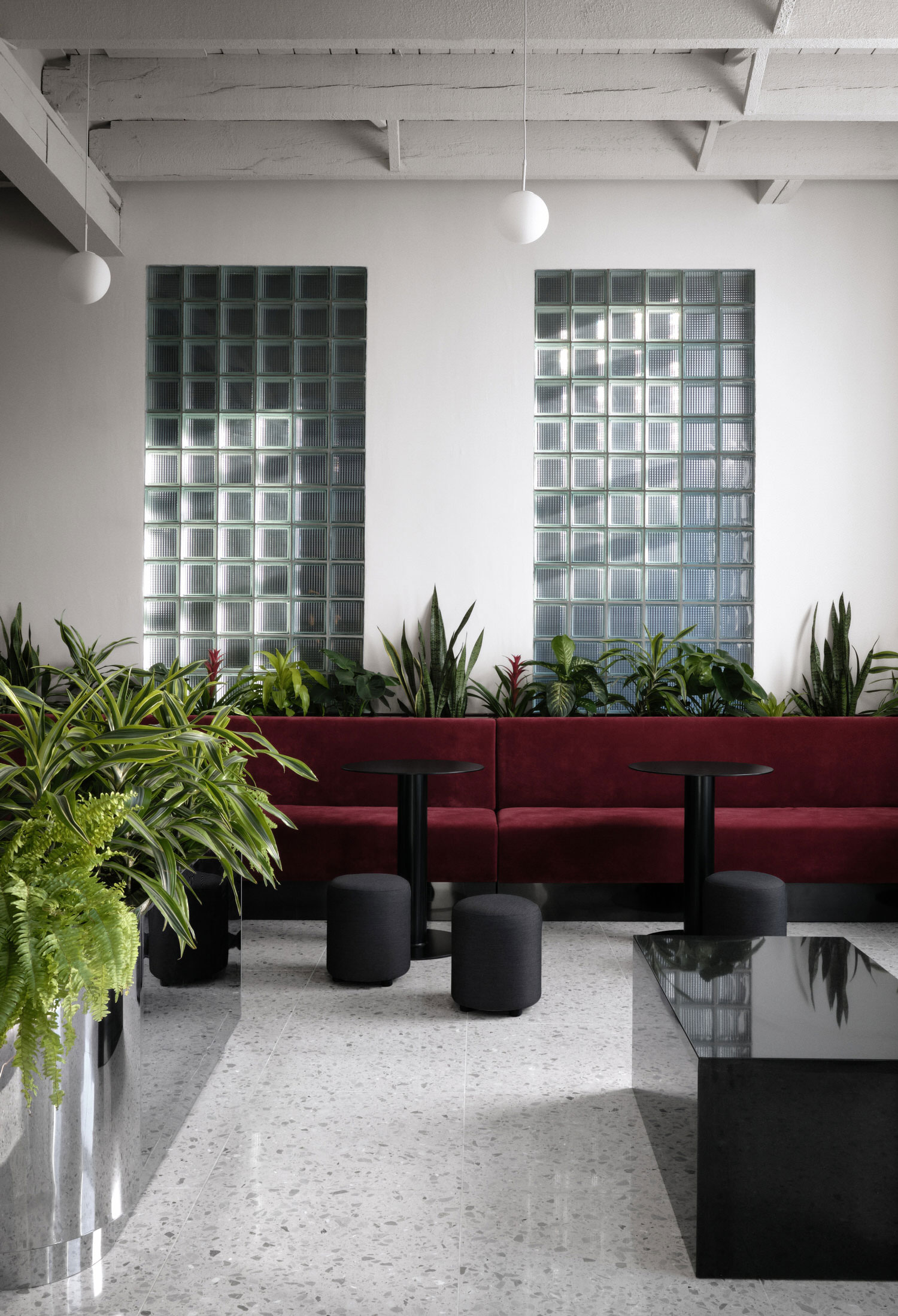 Ivy Studio Spacial Coworking Office Montreal Photo Alex Lesage Yellowtrace 04