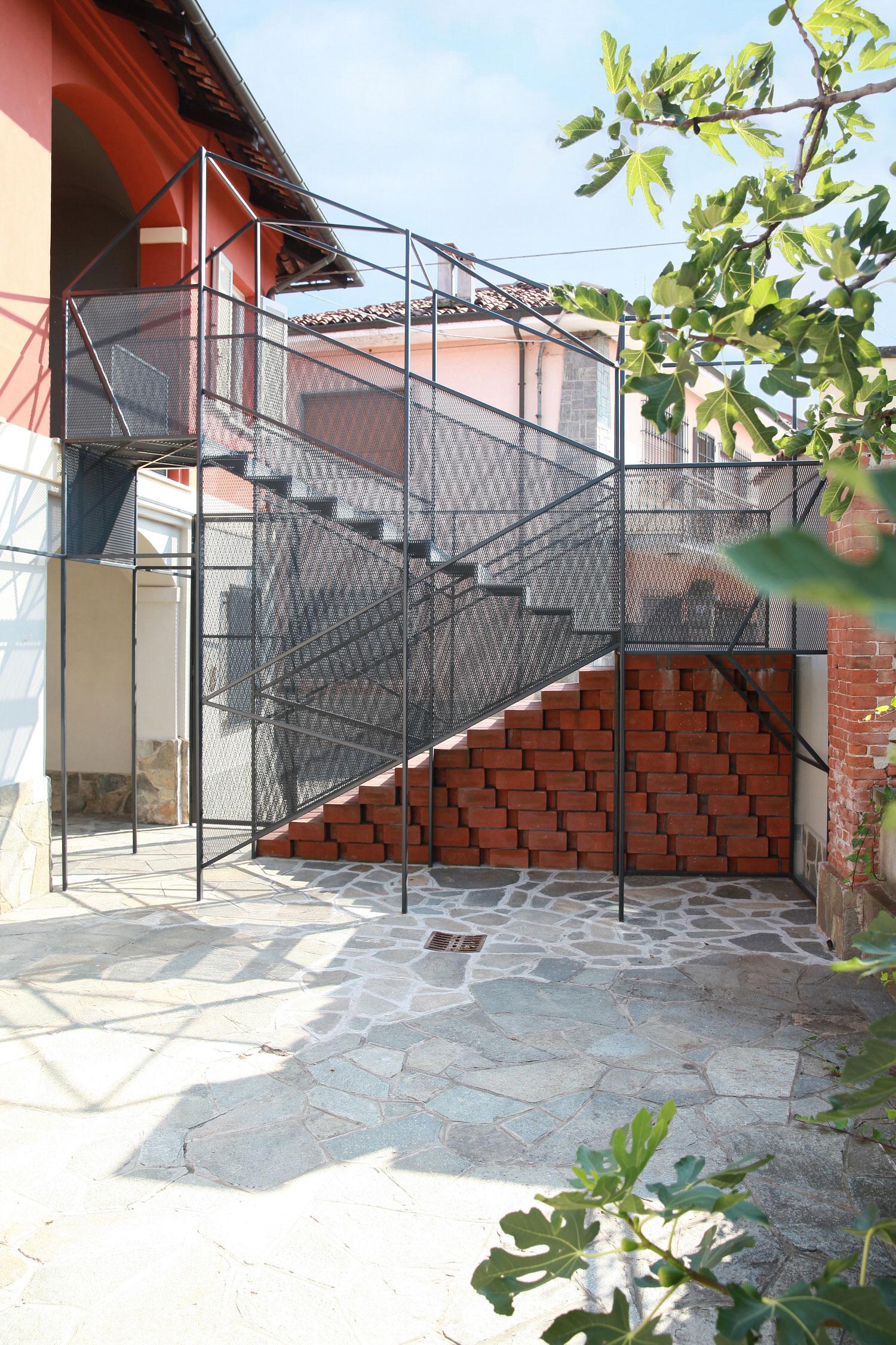 Marcante Testa Private House Renovation Cavallermaggiore Photo Carola Ripamonti Yellowtrace 02
