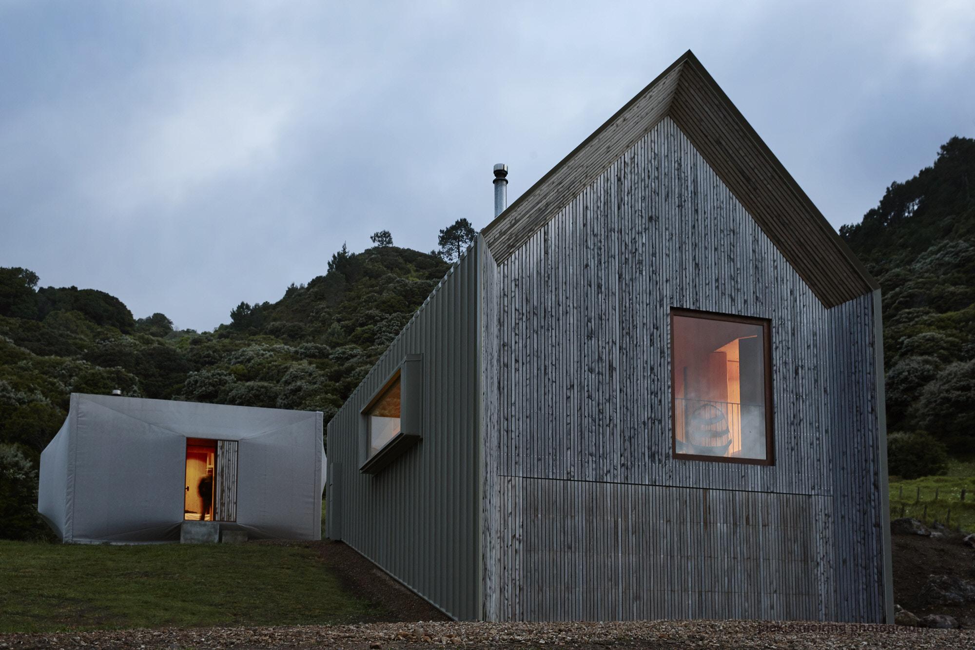 Cheshire Architects Awaawaroa Bay New Zealand Architecture Photo Jackie Meiring Yellowtrace 06