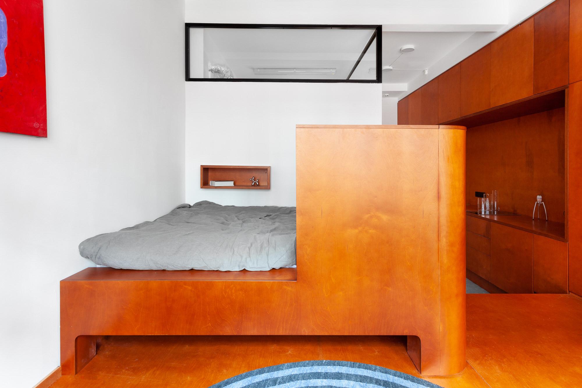 Room Design Buro Commune 303 Tiny Moscow Apartment Interior Photo Polina Poludkina Yellowtrace 17