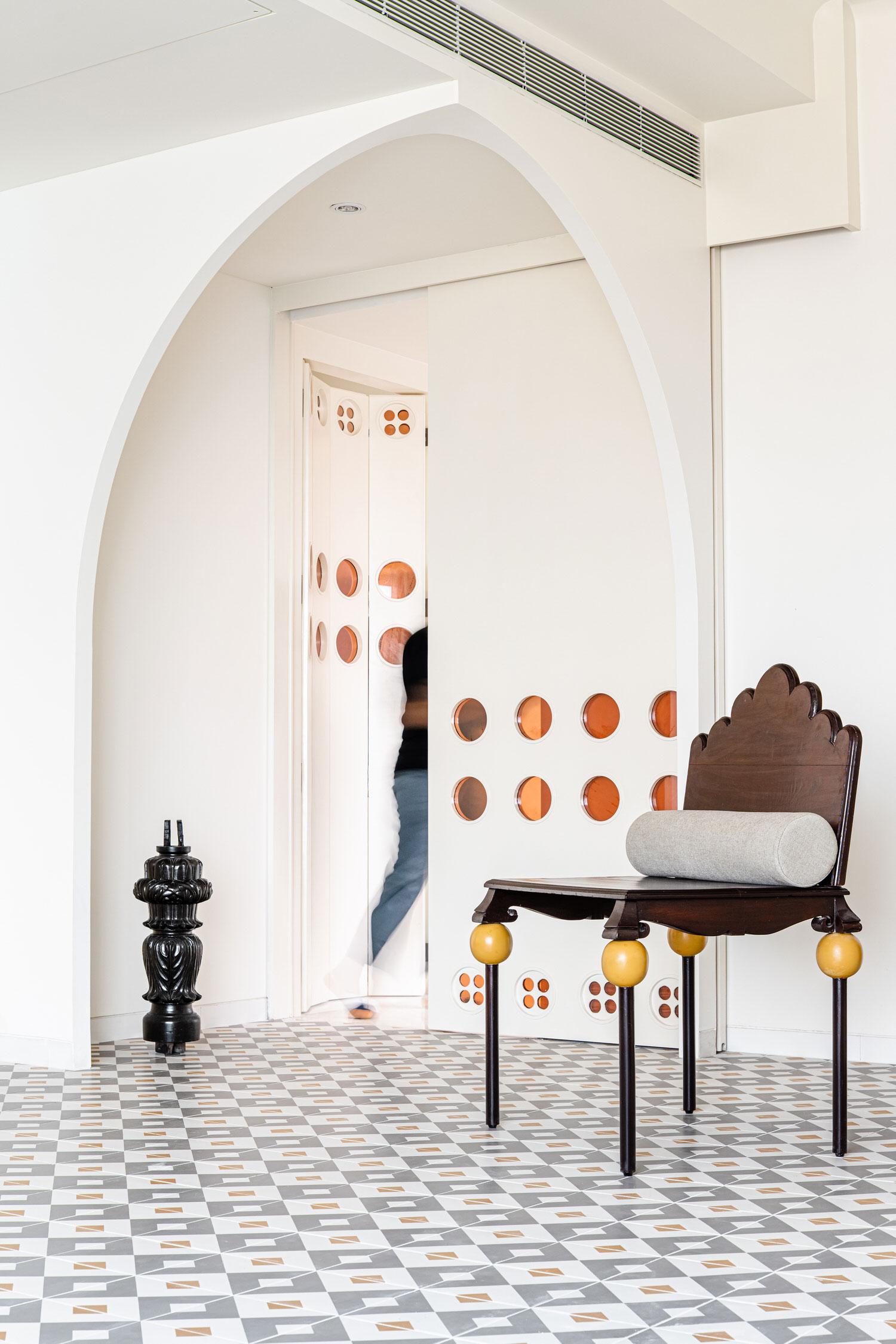 The Act Of Quad Mumbai Apartment Interior Design Yellowtrace 01