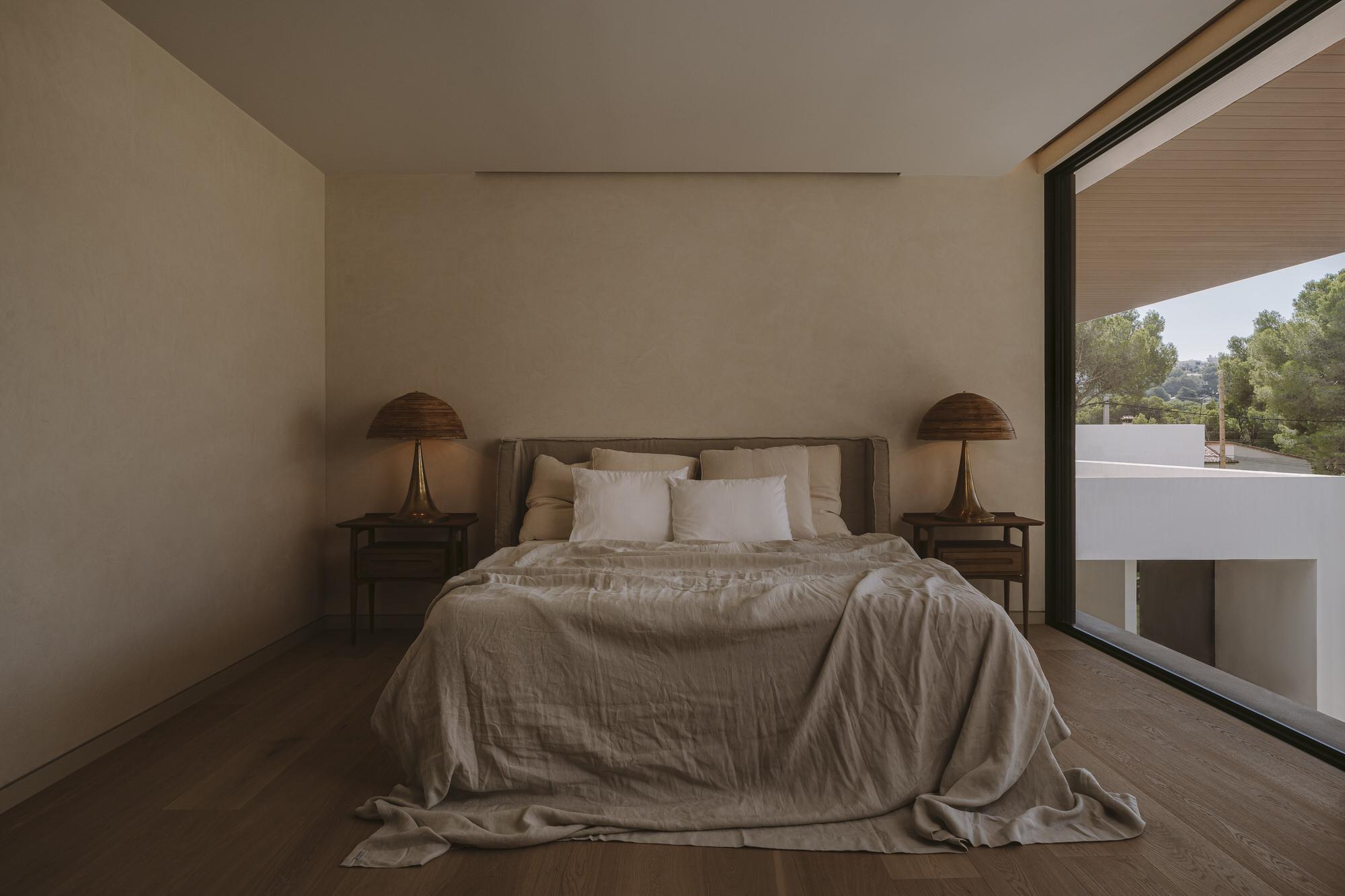 Paradowski Studio Pdm House Majorca Photo Pion Studio Yellowtrace 44