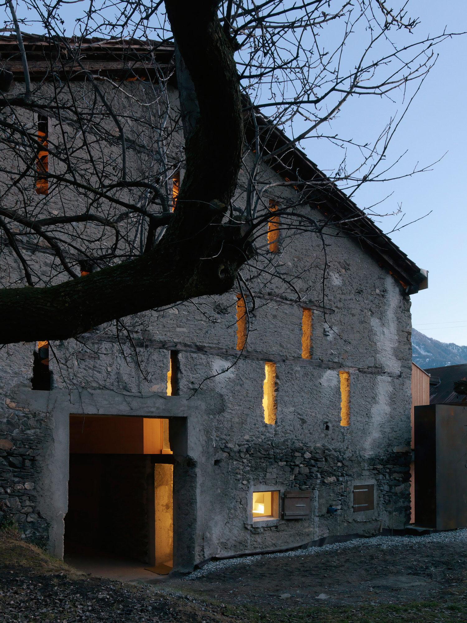 Ralph Germann Architectes House Ccb Valais Switzerland Photo Lionel Henriod Yellowtrace 17