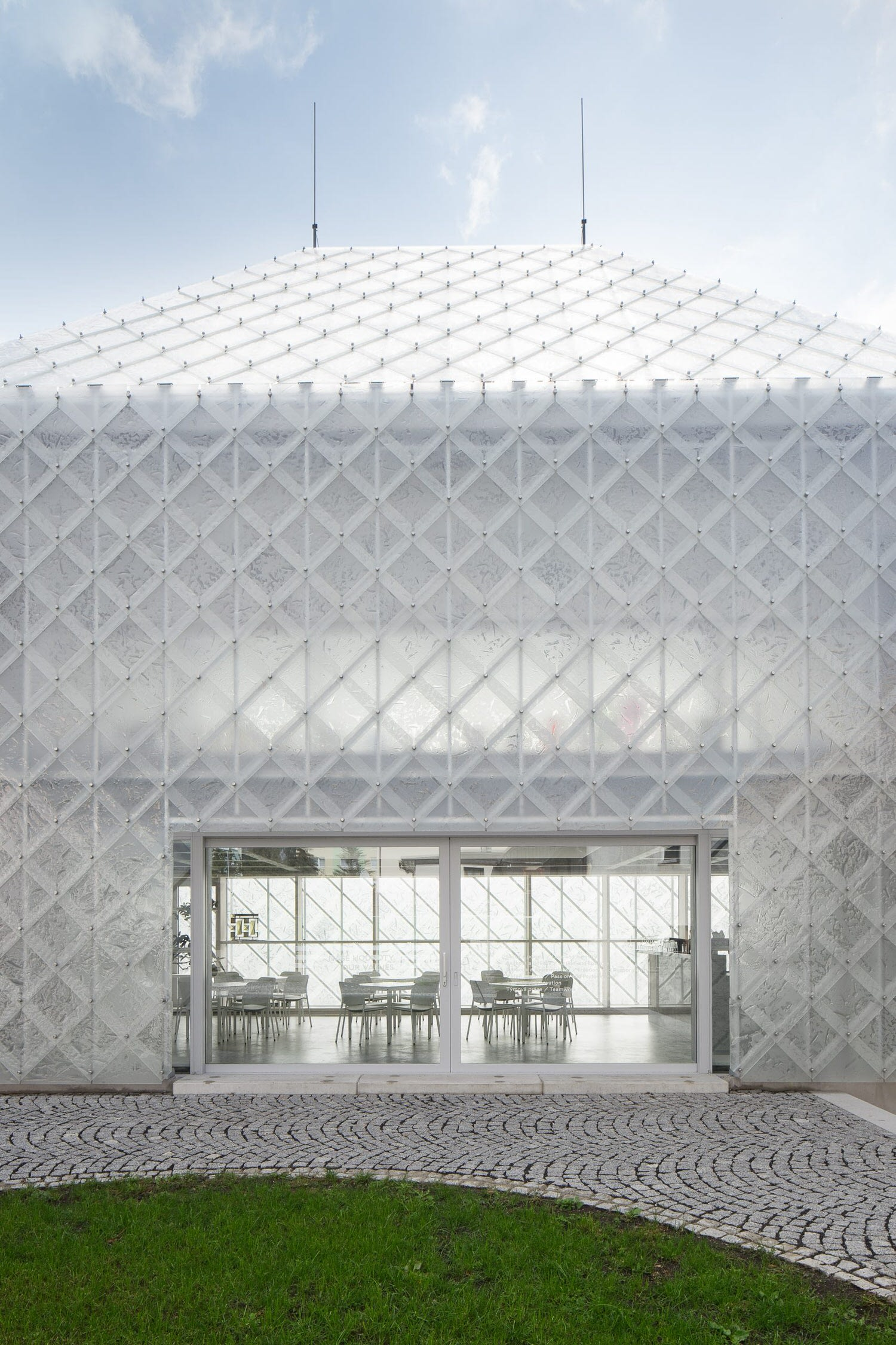 Ov A Architects Lasvit Headoffice Czech Republic Novy Bor Yellowtrace 05