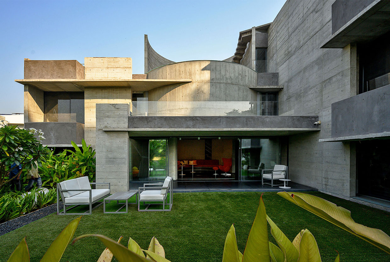 Matharoo Associates Plain Ties House Surat India Photo Dinesh Mehta Yellowtrace