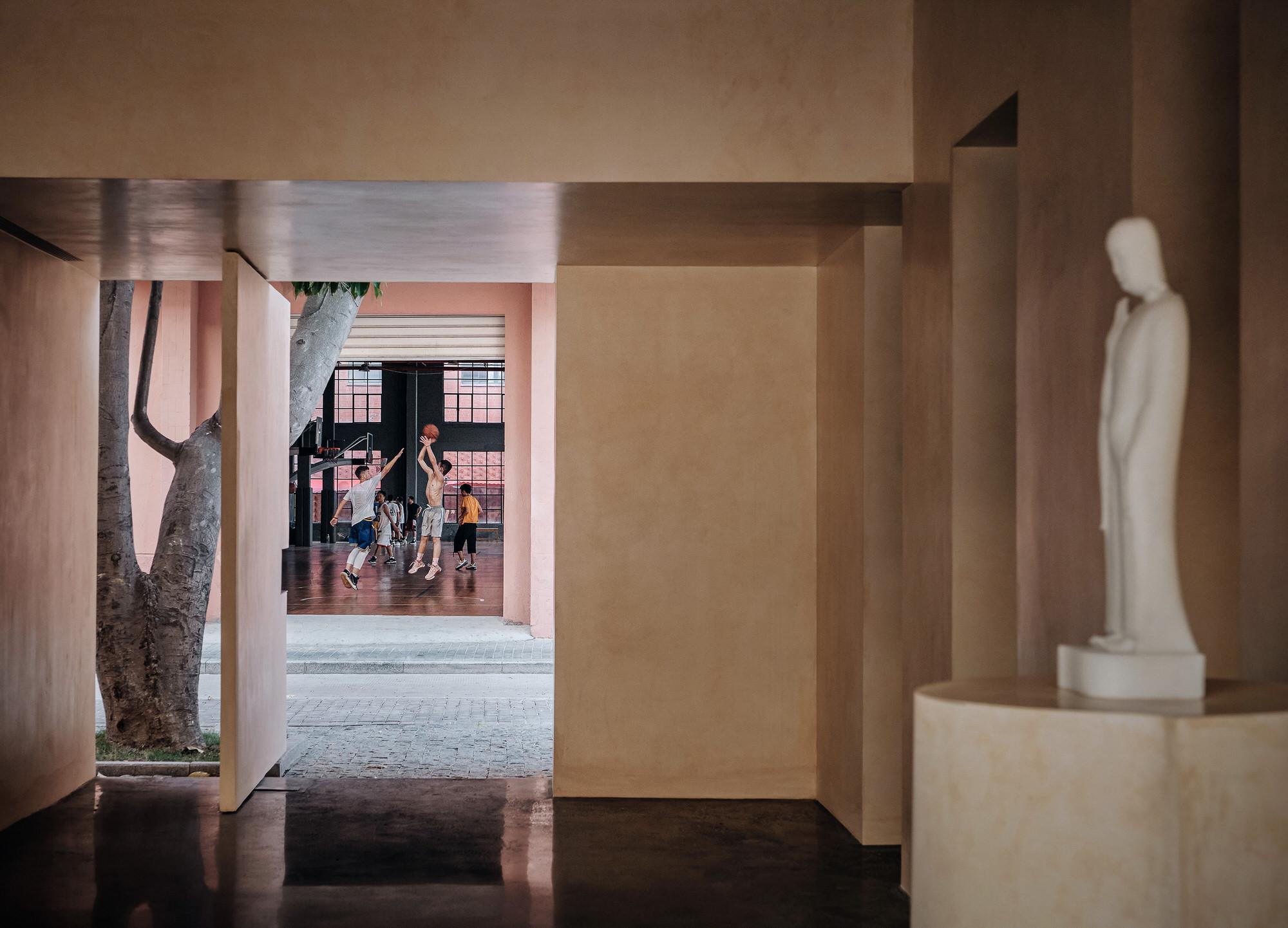 Team Bldg The Field Studio Exhibition Space For Buddha Artist Photo Jonathan Leijonhufvud Yellowtrace 21