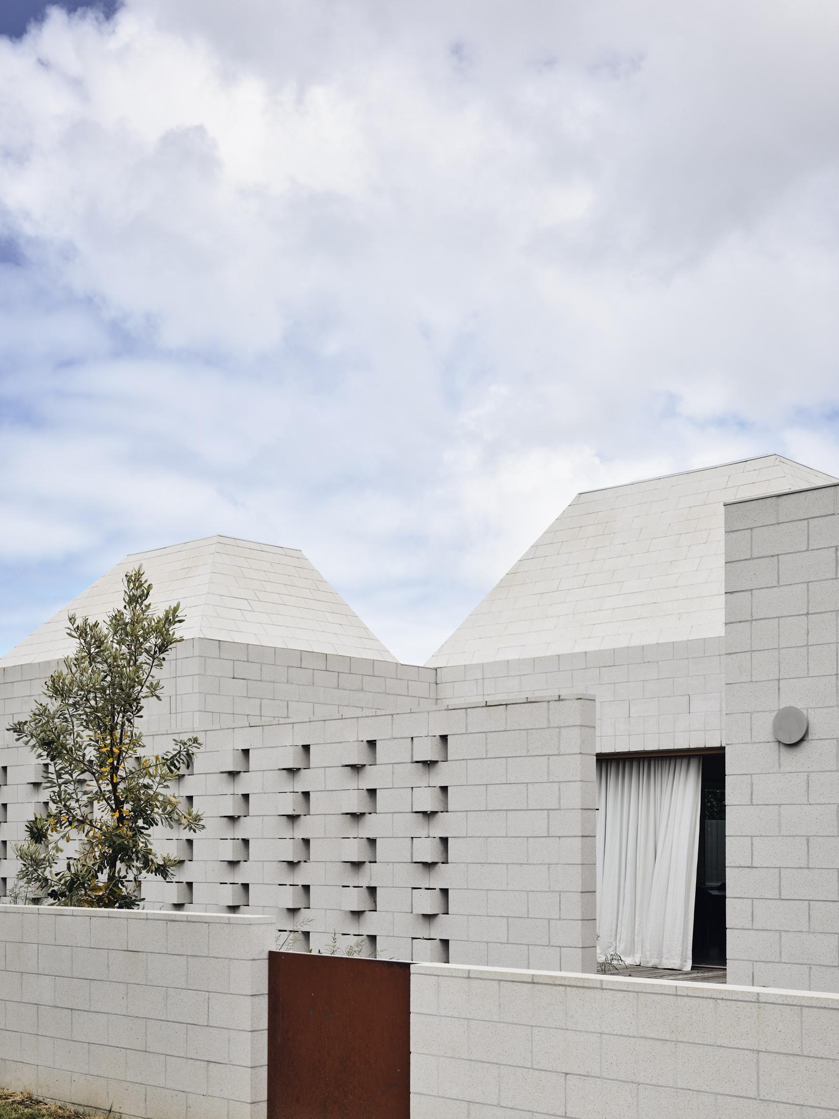 Architects Eat Bellows Beach House Flinders Masonry Architecture Photo Derek Swalwell Yellowtrace 04