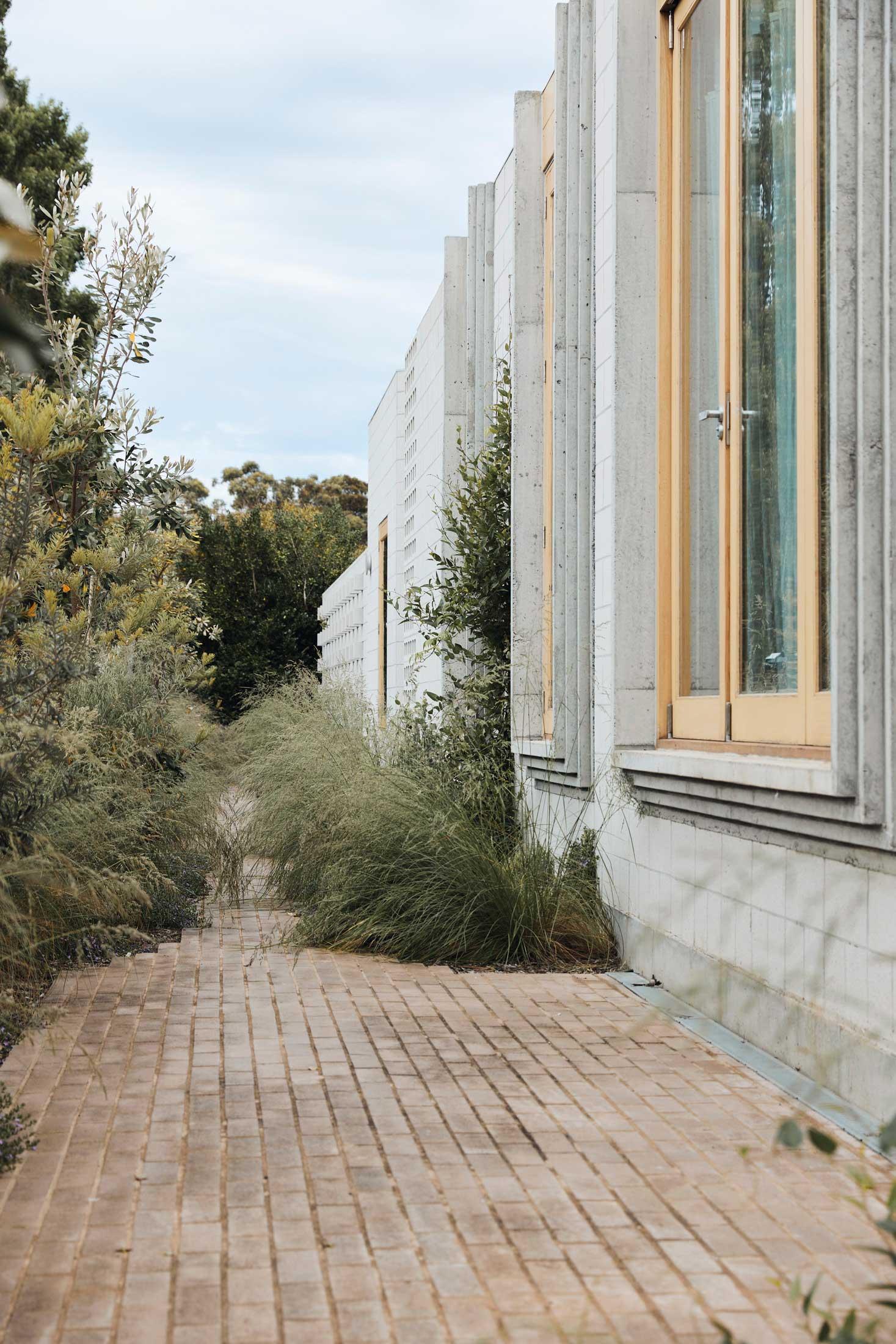 Architects Eat Bellows Beach House Flinders Masonry Architecture Photo Derek Swalwell Yellowtrace 50
