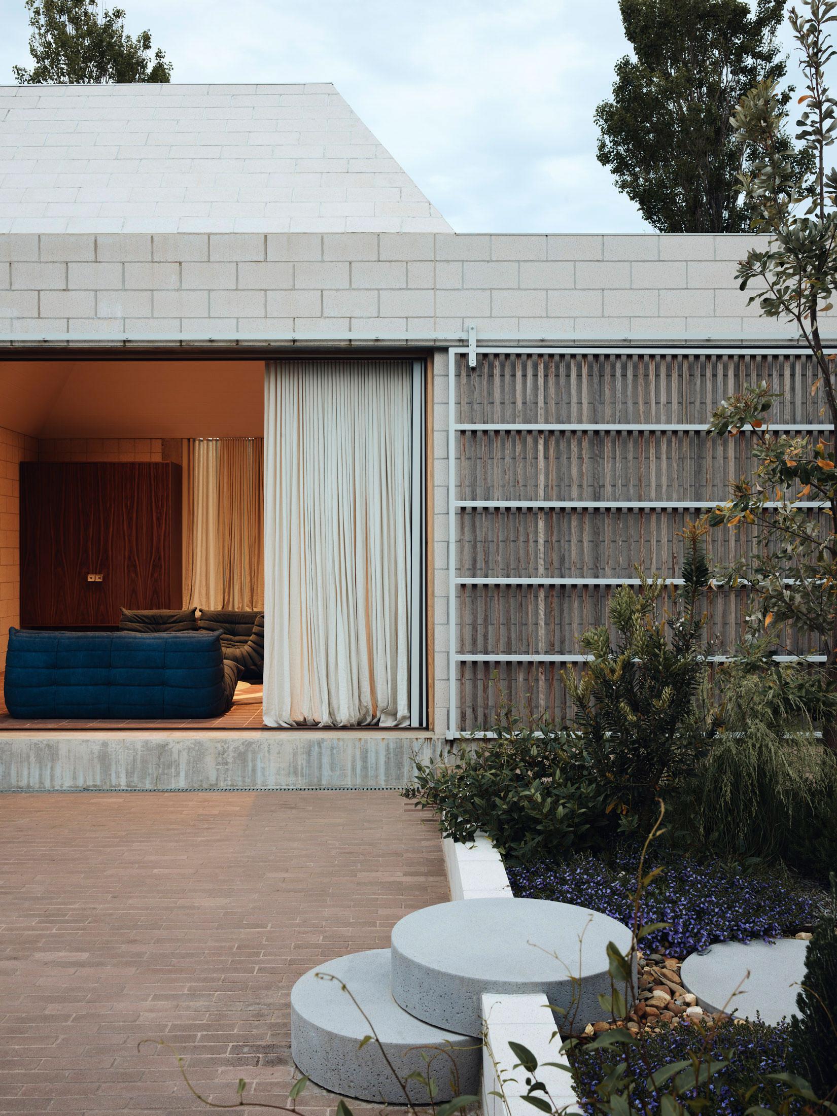 Architects Eat Bellows Beach House Flinders Masonry Architecture Photo Derek Swalwell Yellowtrace 59