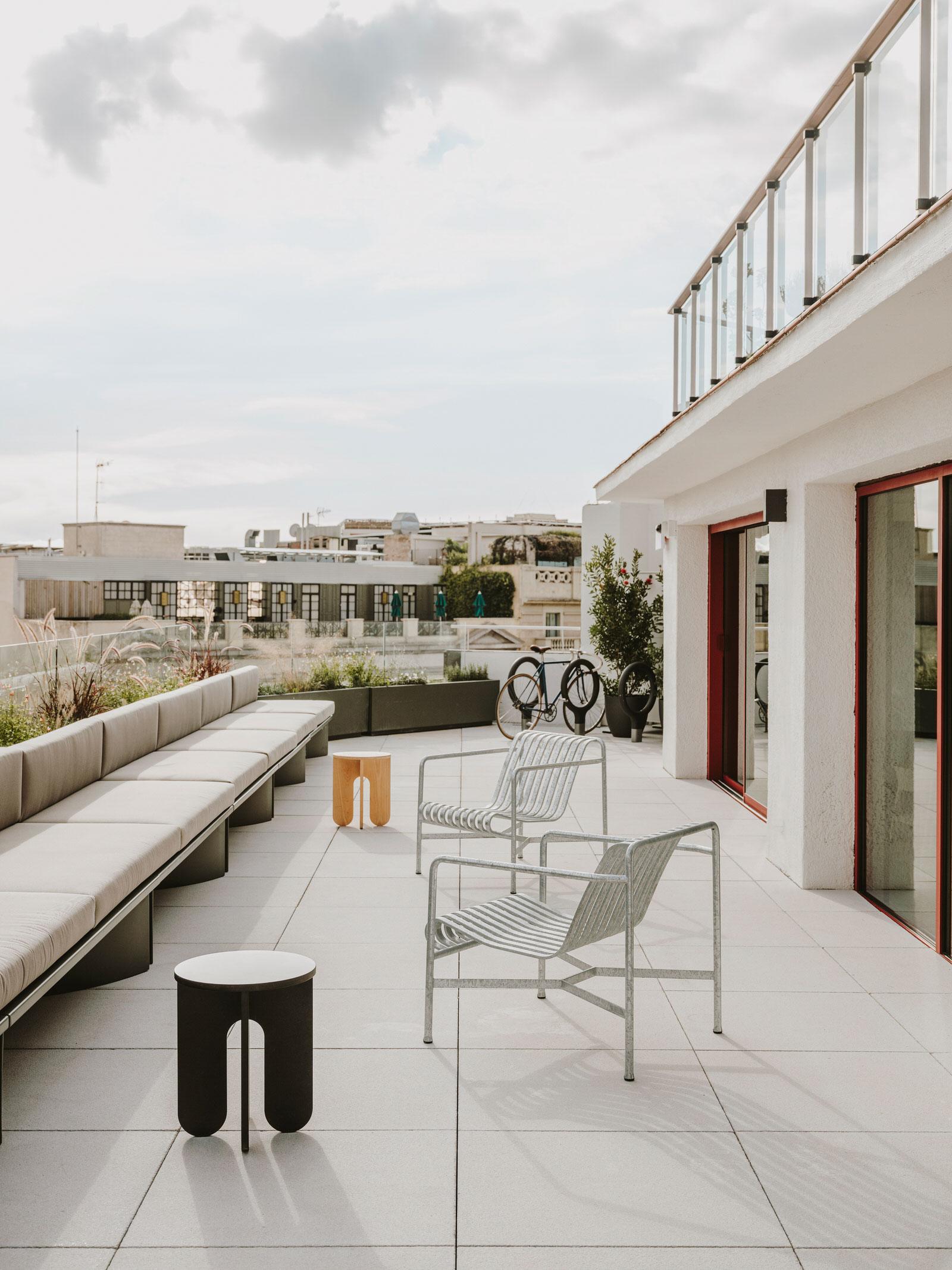 Mesura Architecture Design Cloudworks Penthouse Office Barcelona Photo Salva Lopez Yellowtrace 01