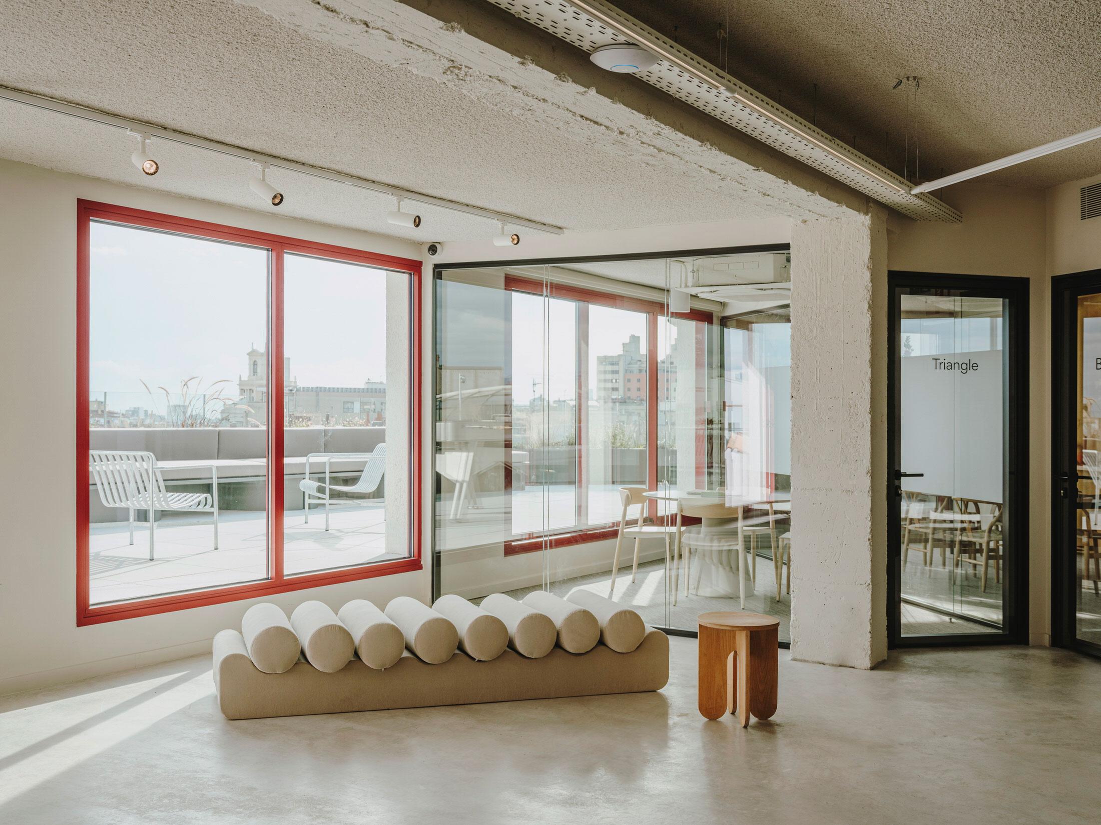 Mesura Architecture Design Cloudworks Penthouse Office Barcelona Photo Salva Lopez Yellowtrace 07