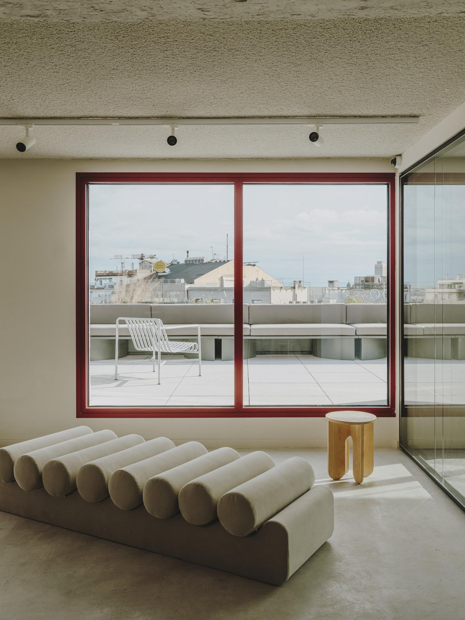 Cloudworks Office Penthouse in Barcelona by MESURA.