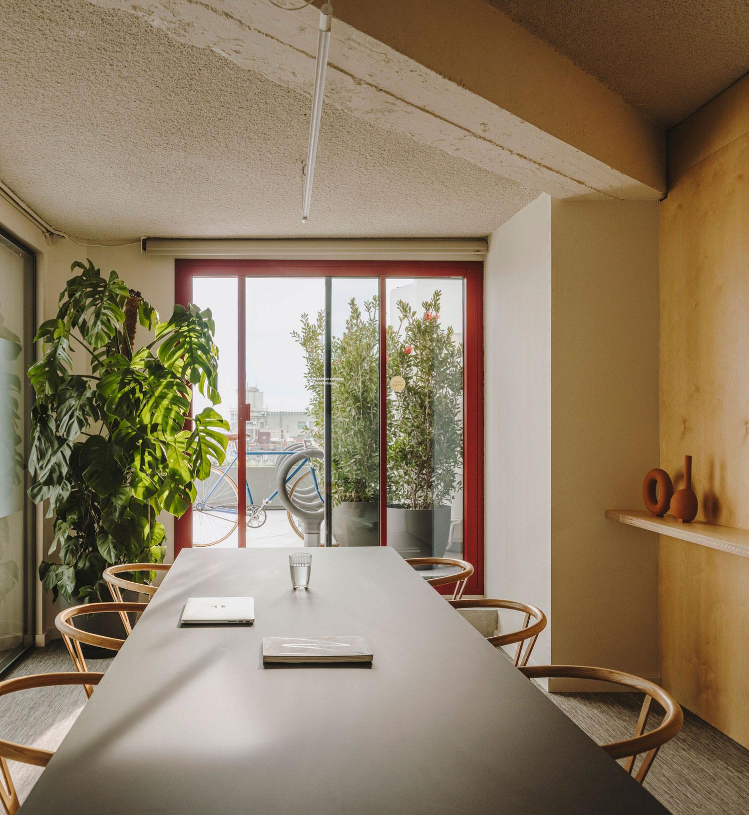 Mesura Architecture Design Cloudworks Penthouse Office Barcelona Photo Salva Lopez Yellowtrace 03a