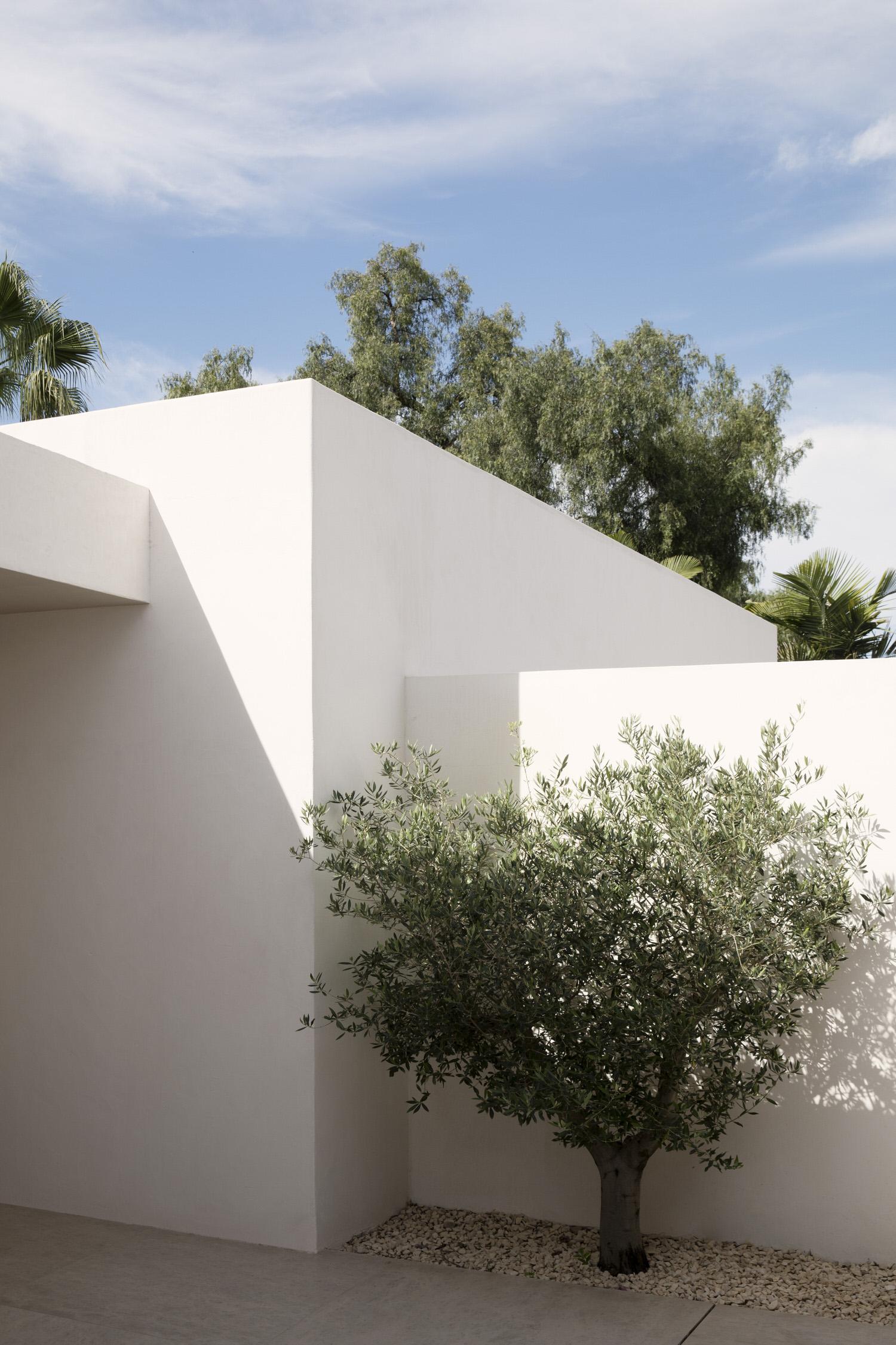 Febrero Studio Casa Marbella Spanish Architecture Photo German Saiz Yellowtrace 01