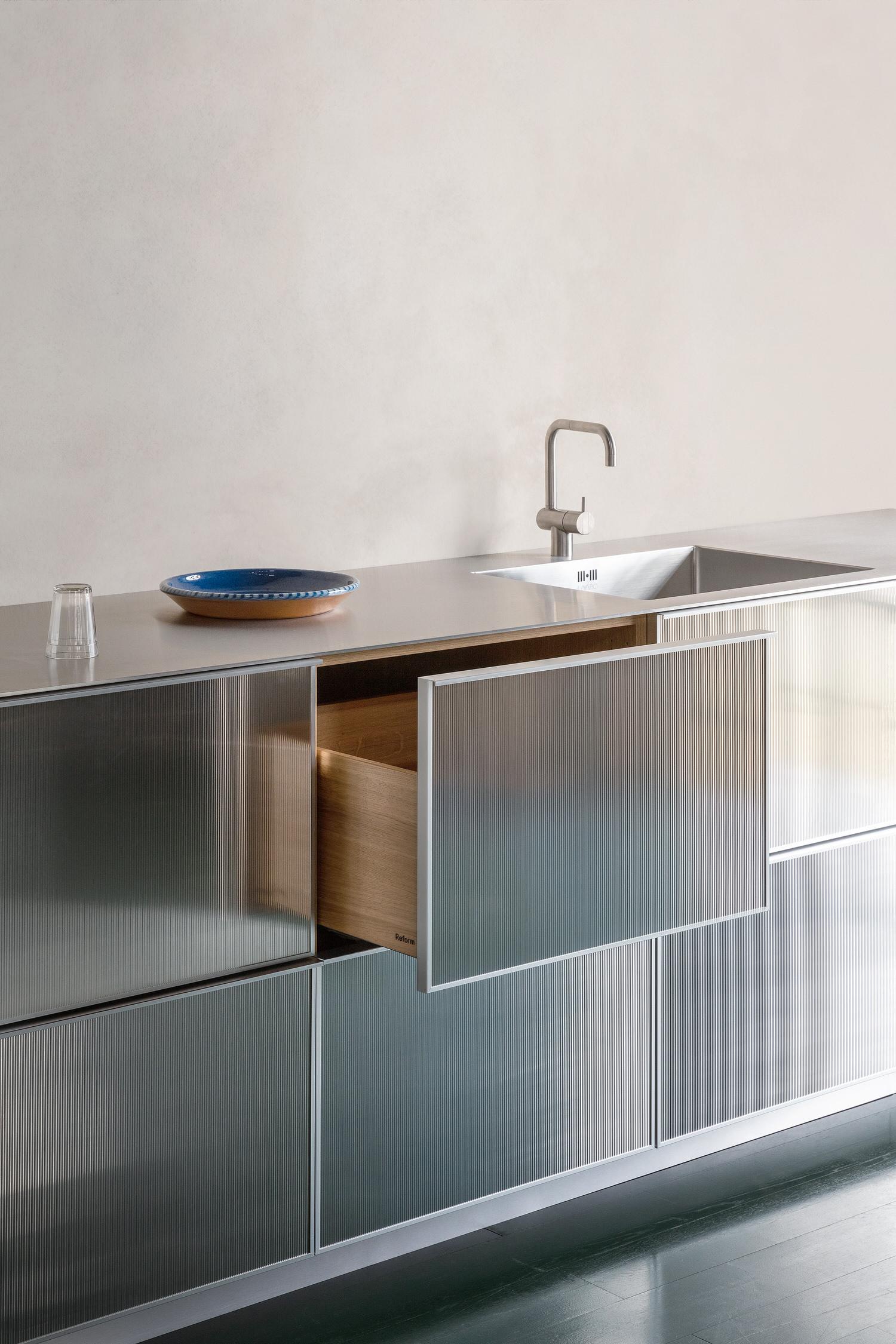 Jean Nouvel Reflect Reform Kitchen Design Yellowtrace 05
