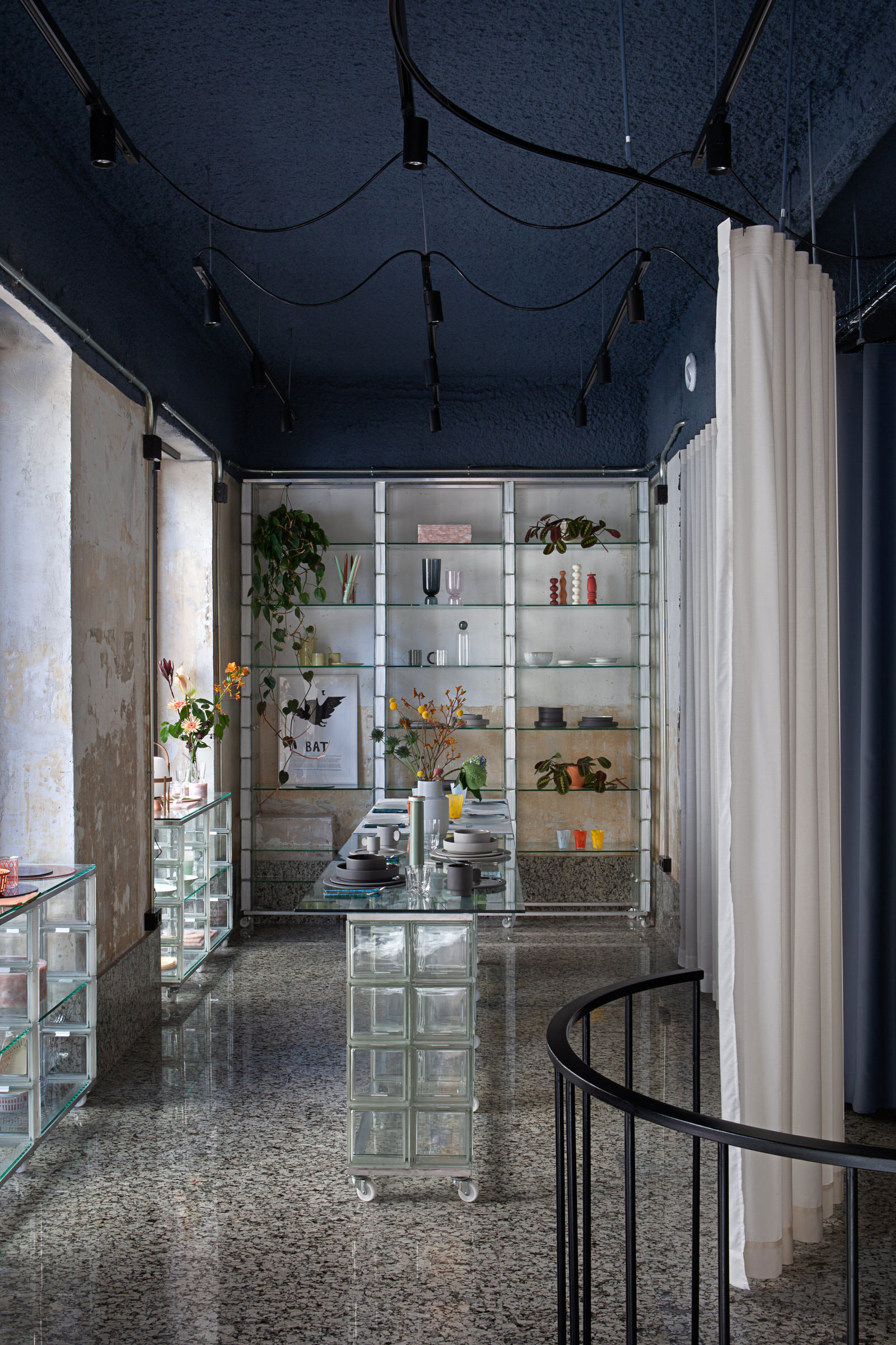 Plutarco Design Office Madrid Hecho Store Photo Asier Rua Yellowtrace 23