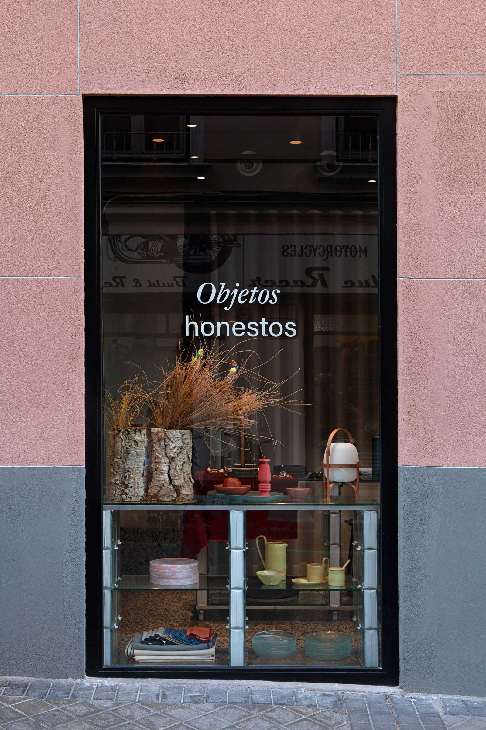 Plutarco Design Office Madrid Hecho Store Photo Asier Rua Yellowtrace 29