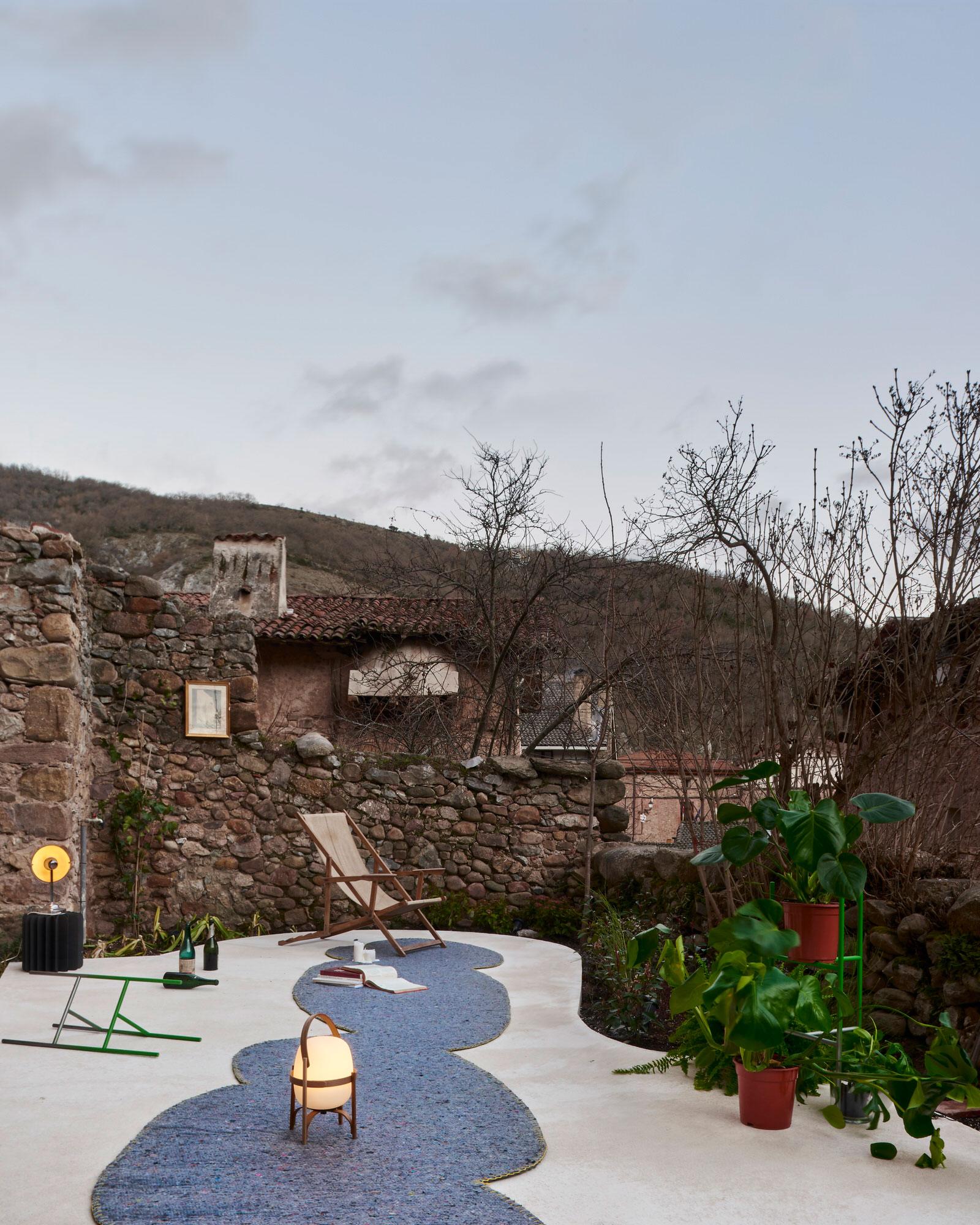 Hanghar Garden House La Rioja Spain Experimental Architecture Photo Max Hart Nibbrig Yellowtrace 01